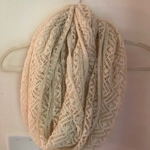 H&M Ivory Infinity Scarf